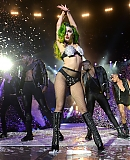 0-hq-JINGLE-BELL-BALL-2013-GAGAFACE-PL_28129.jpg