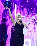 00gagafacepl-VMA-WYSTEP-APPLAUSE-2013_281329.jpg