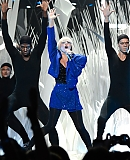 00gagafacepl-VMA-WYSTEP-APPLAUSE-2013_281629.jpg
