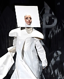 0GAGAFACEPL-HQ-VMA-2013-APPLAUSE_284029.jpg