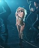 0GAGAFACEPL-HQ-VMA-2013-APPLAUSE_284329.jpg