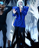 0GAGAFACEPL-HQ-VMA-2013-APPLAUSE_285829.jpg