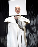 0GAGAFACEPL-HQ-VMA-2013-APPLAUSE_28829.jpg