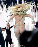 0zVMA2013gagafacepl2013-applause_282929.jpg