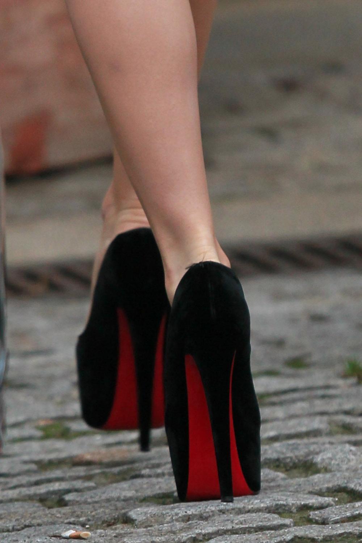 Транс на высоких каблуках 5 фотография