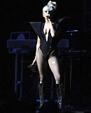 03_12_-_KIIS_FM_s_Jingle_Ball_gagaface_pl_281829.jpg