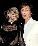 12_02_-_Grammy_Awards_Audience_WWW_GAGAFACE_PL_2812629.jpg