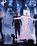 Applause25082013VMA-2837029-gagafacepl.jpg